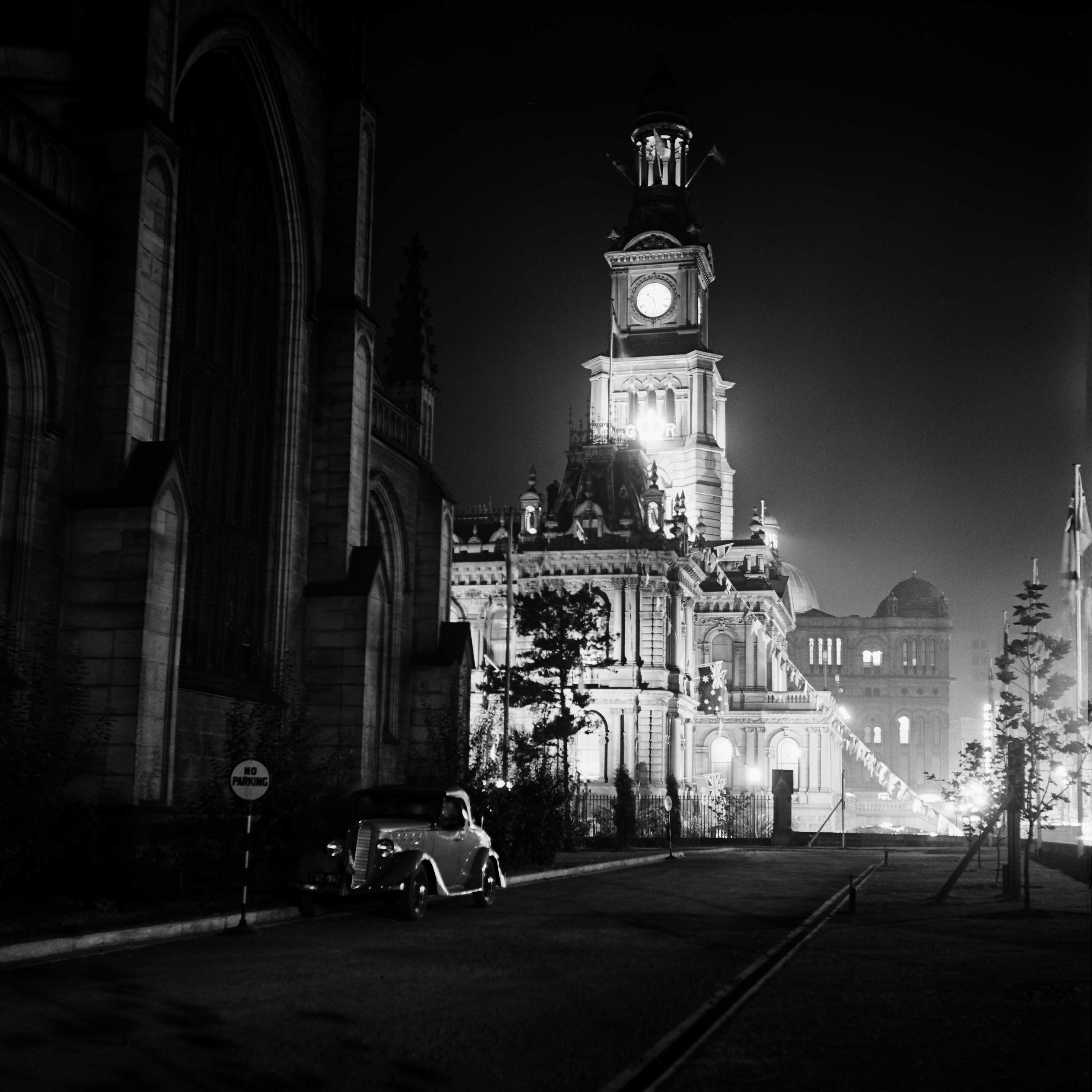 St Andrew's Cathedral and illuminated Town Hall, Coronation week, 11 May 1937. (Digital ID: a2391012)