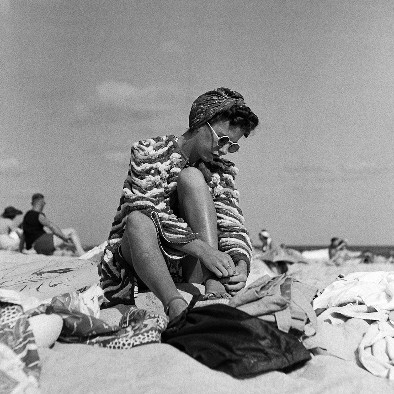 Roya Geale in chenille beach jacket, 5 January 1941. (Digital ID: a2391056)