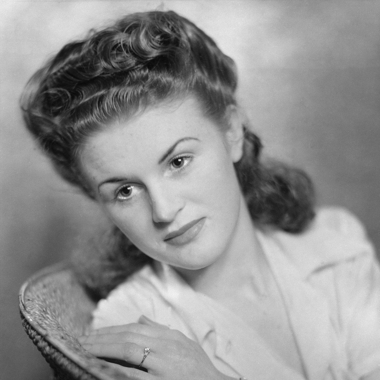 Betty York, fiancée, ca. 1943. (Digital ID: a2391060)