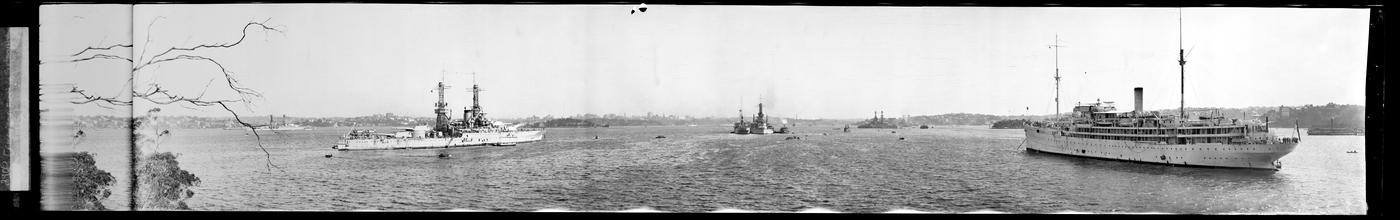 United States Naval Fleet, Sydney Harbour, Rex Hazlewood, 1925