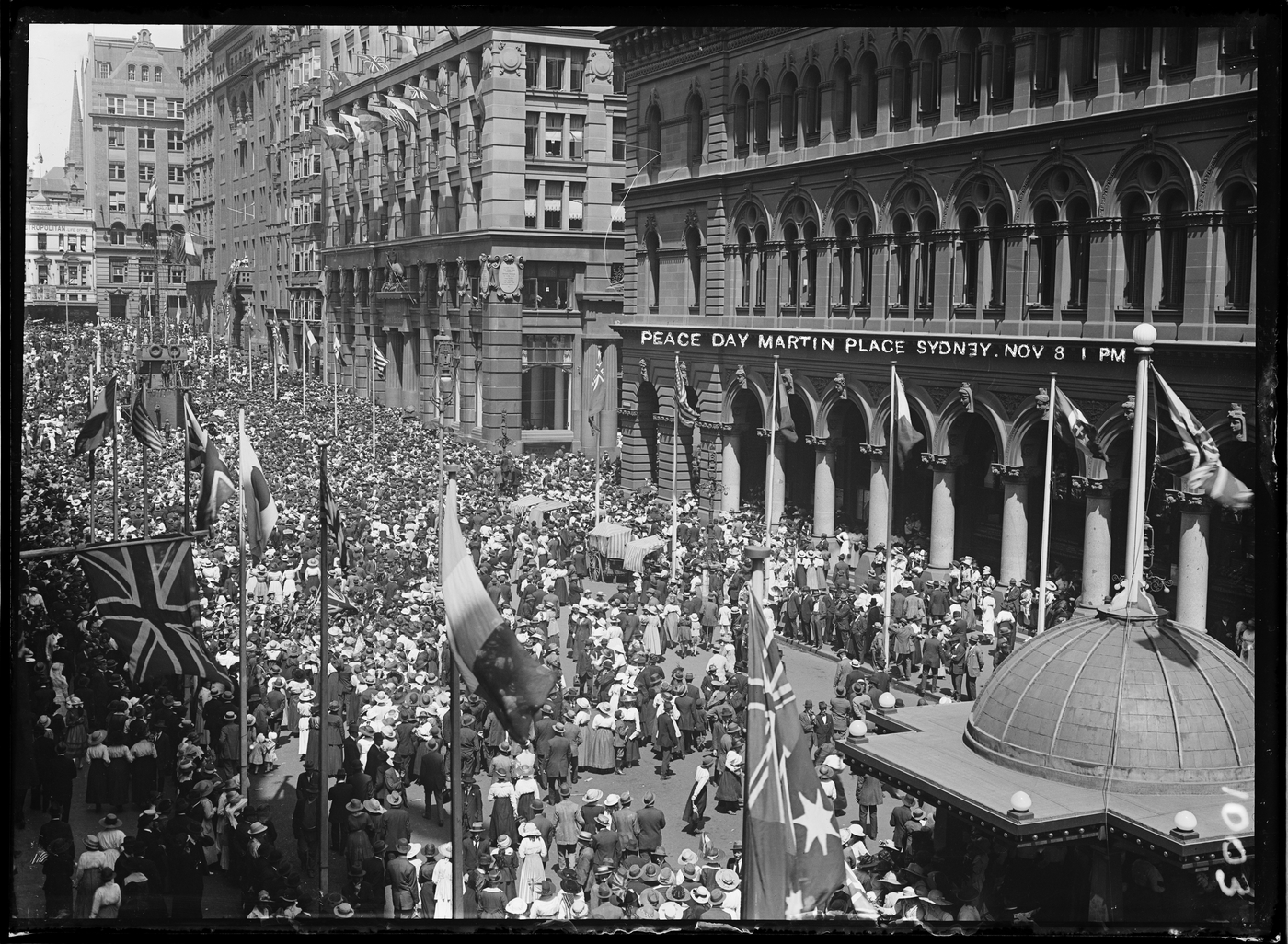 Series 14: Processions and events (Peace Day, Duke of York visit, Jack's Day, Eight Hour day, American Fleet visit), ca. 1916-1947 / photographed by Arthur Ernest Foster