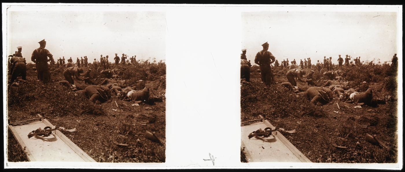 Burial of Australian and Turkish soldiers, Gallipoli, May 1915