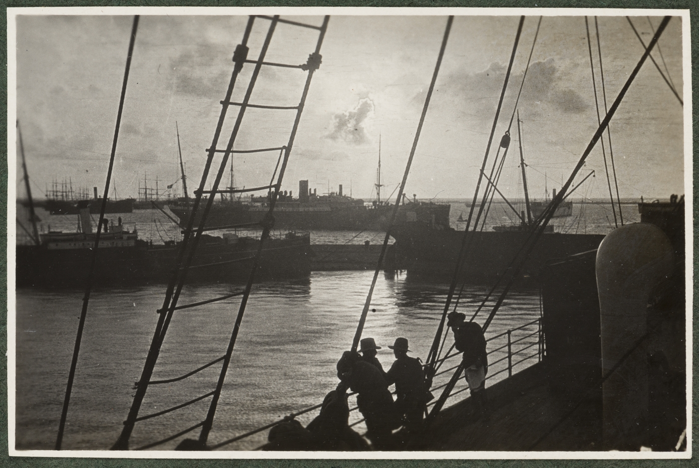 Sunsets at Alexandria, 9-4-15, Kensington to Cairo and from Cairo to Gallipoli : album of photographs, 1914-1915 / H.C. Marshall