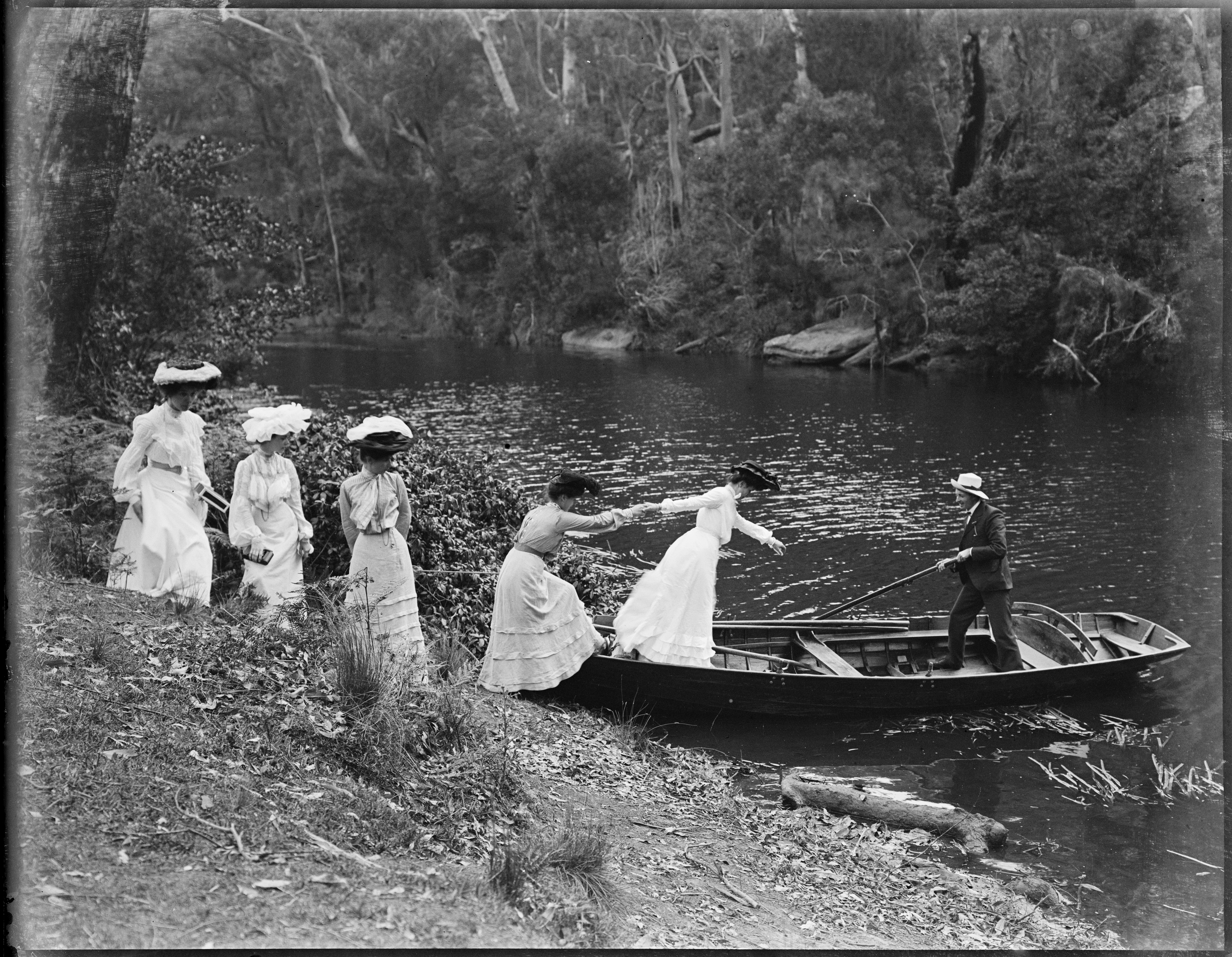 Box 04: Glass negatives of Sydney and Manly areas, ca 1890-1910