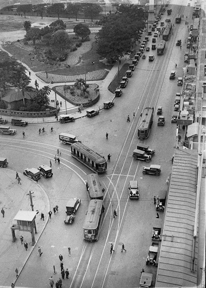 Park and Elizabeth Streets, c. 1927, by Sam Hood, Glass negative, DG ON4/3487