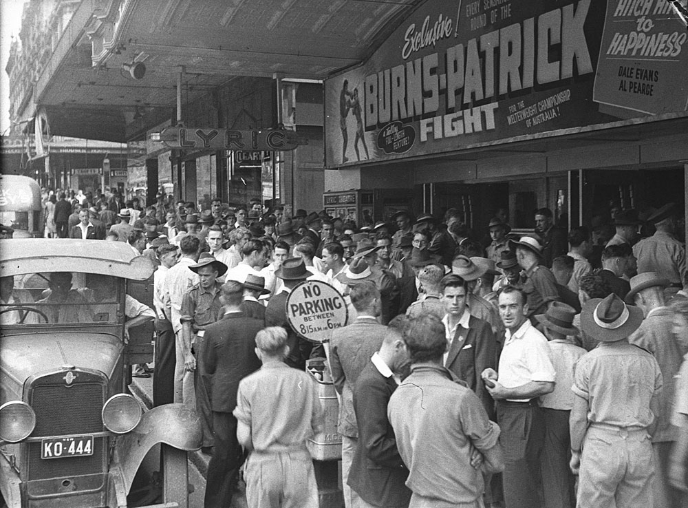 Crowd at newsreel, 1946, by Sam Hood, Film negative, DG ON4/21314