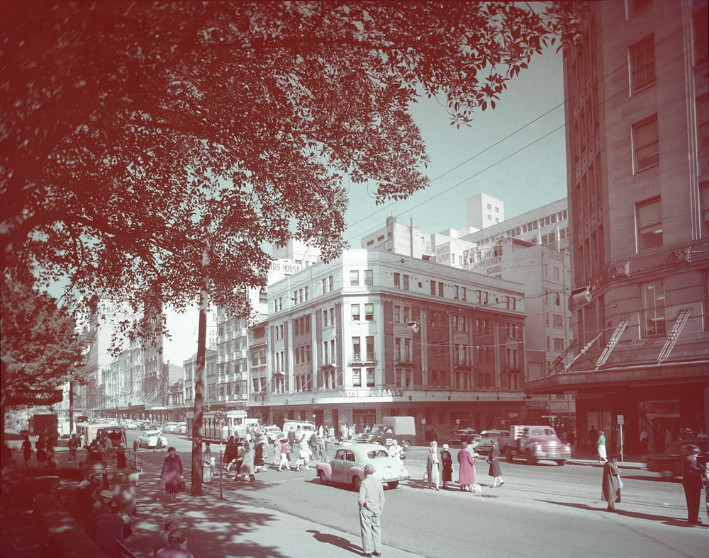 Elizabeth Street, 1961, Australian Photographic Agency, Colour transparency, APA 46312