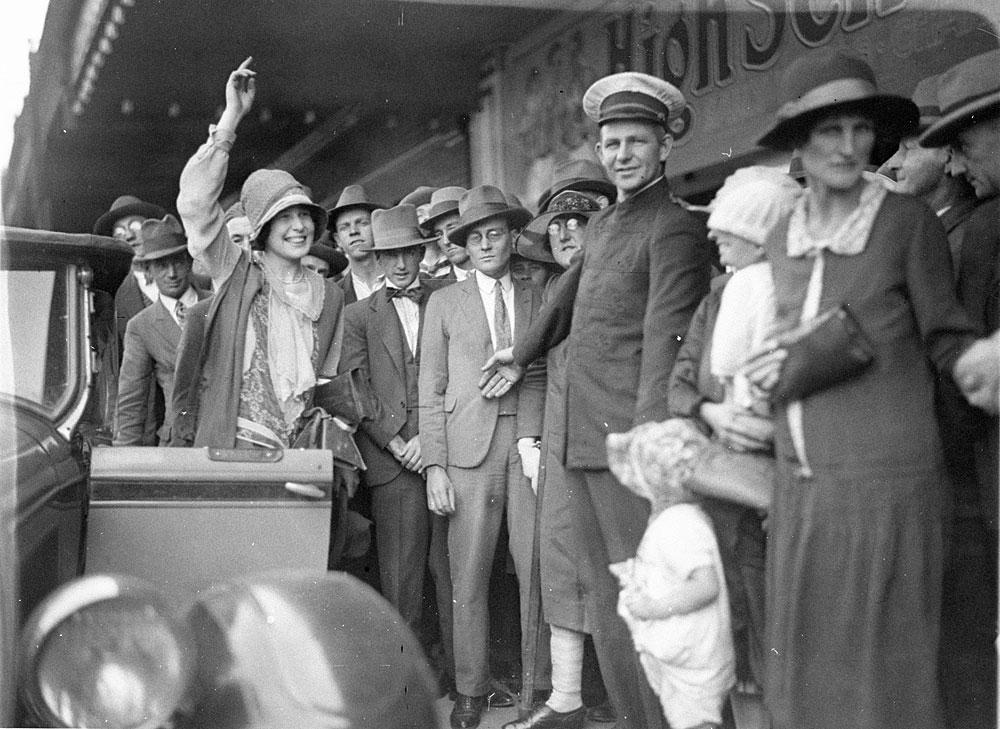 Miss Australia, 1927, by Sam Hood, Glass negative, DG ON4/6310