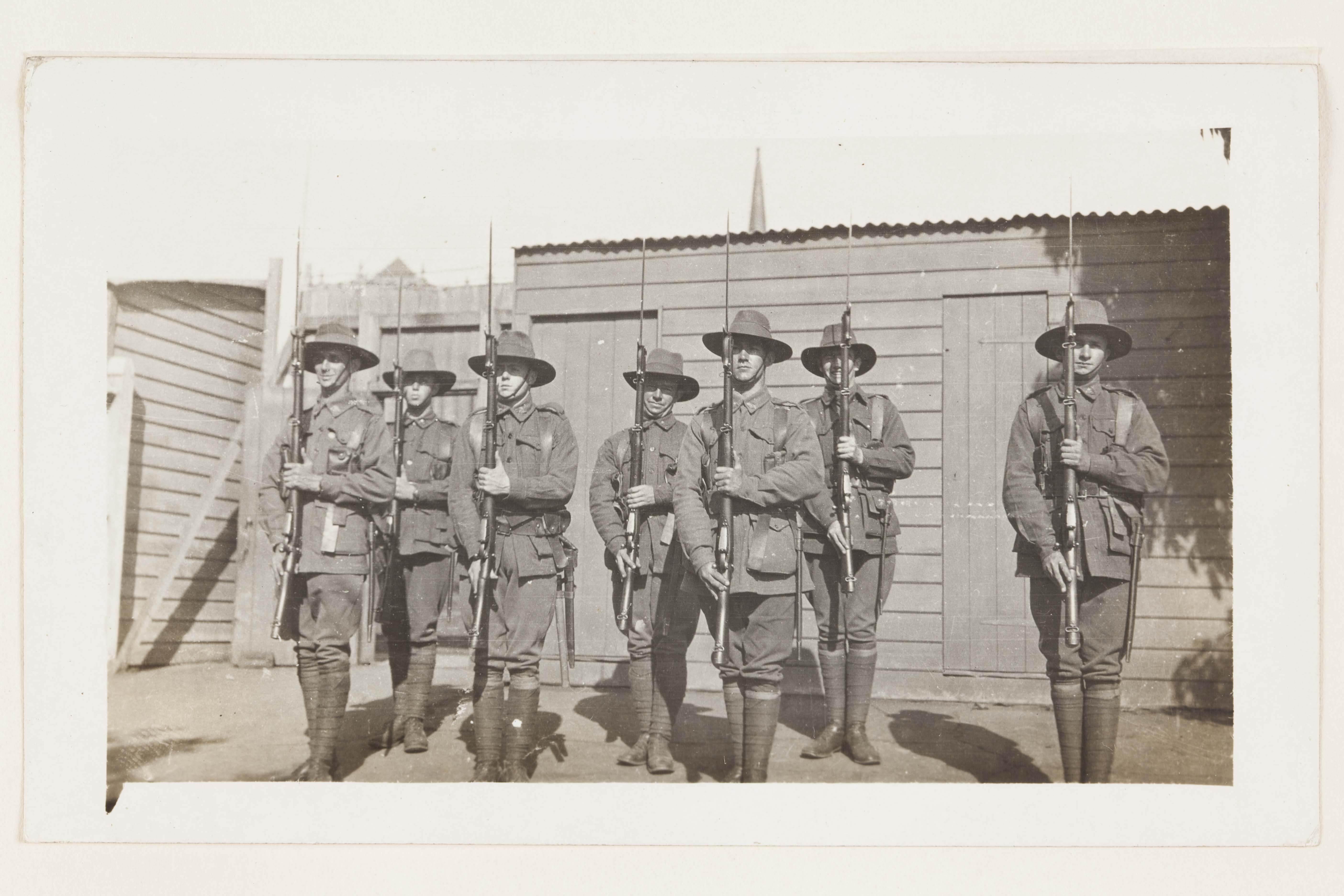 Photo of soldiers in WW1