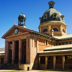 Front entrance of Bathurst courthouse