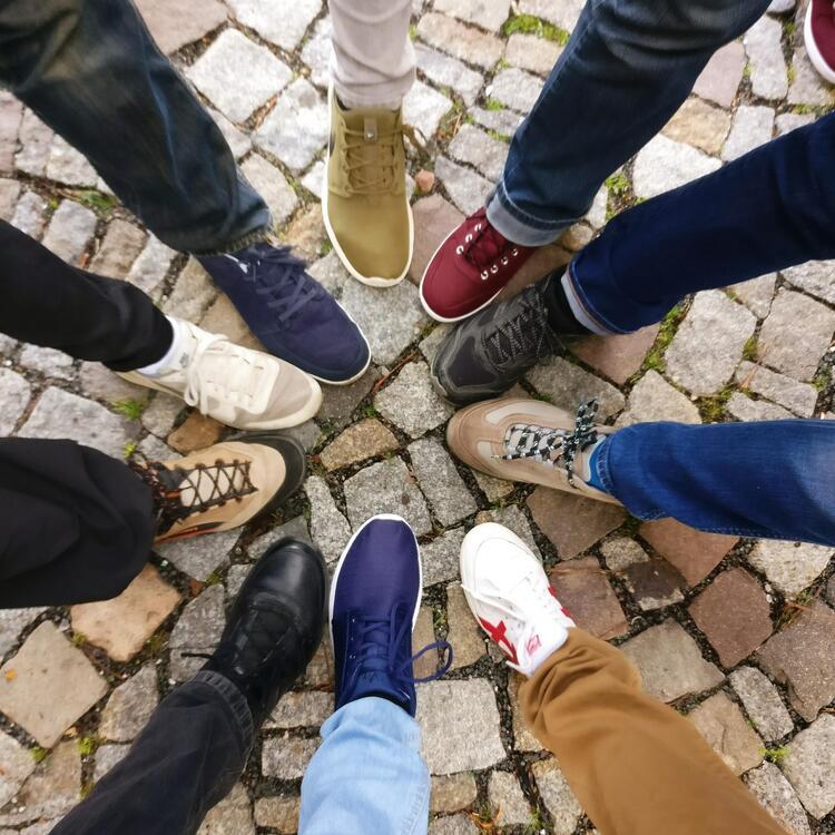 Circle of feet
