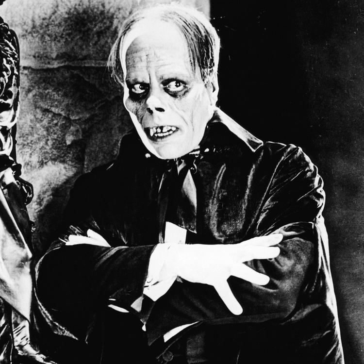 Black and white image of the Phantom of the Opera from the 1925 film