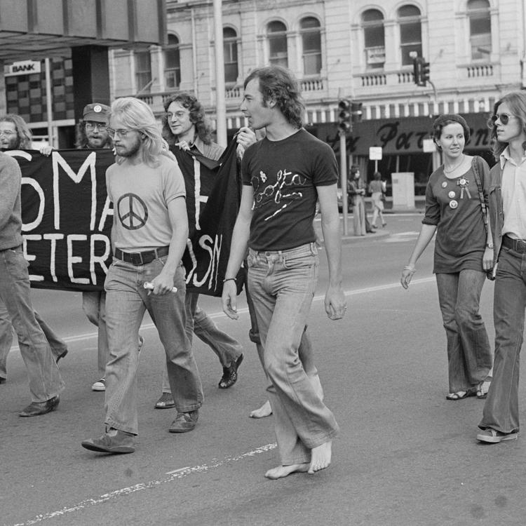 Terry Batterham marching with Sydney Gay Liberation, May Day march, 1974, photographed by Anne Roberts, Tribune negatives collection