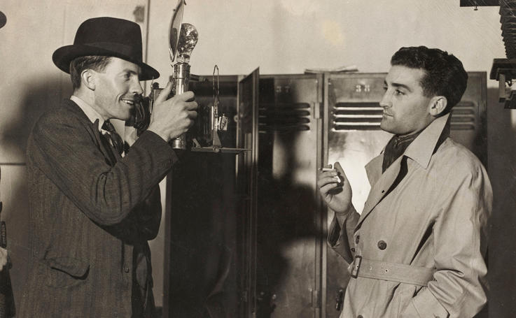 Ted Hood photographing journalist Leo Basser D/T 1937, by unknown photographer