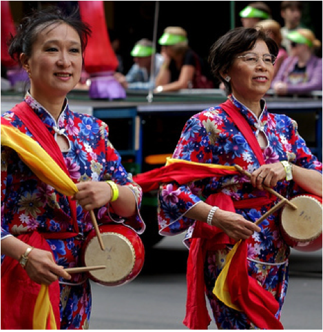Women in Chinese parade
