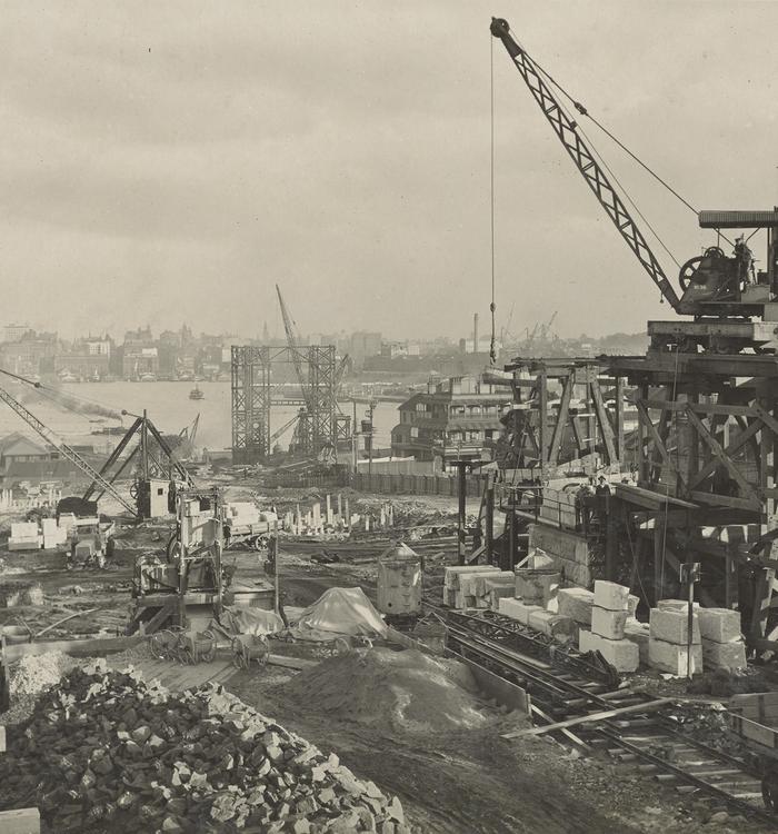 photograph of the construction of the Sydney Harbour Bridge